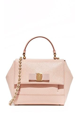 Salvatore Ferragamo - Магазин итальянских сумок и платков