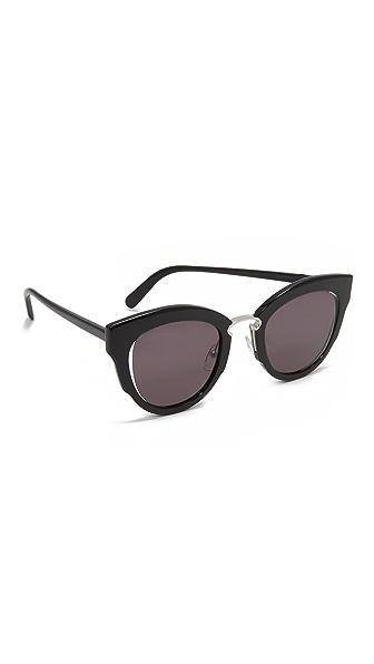 Salvatore Ferragamo Cat Eye Sunglasses - Black/Grey