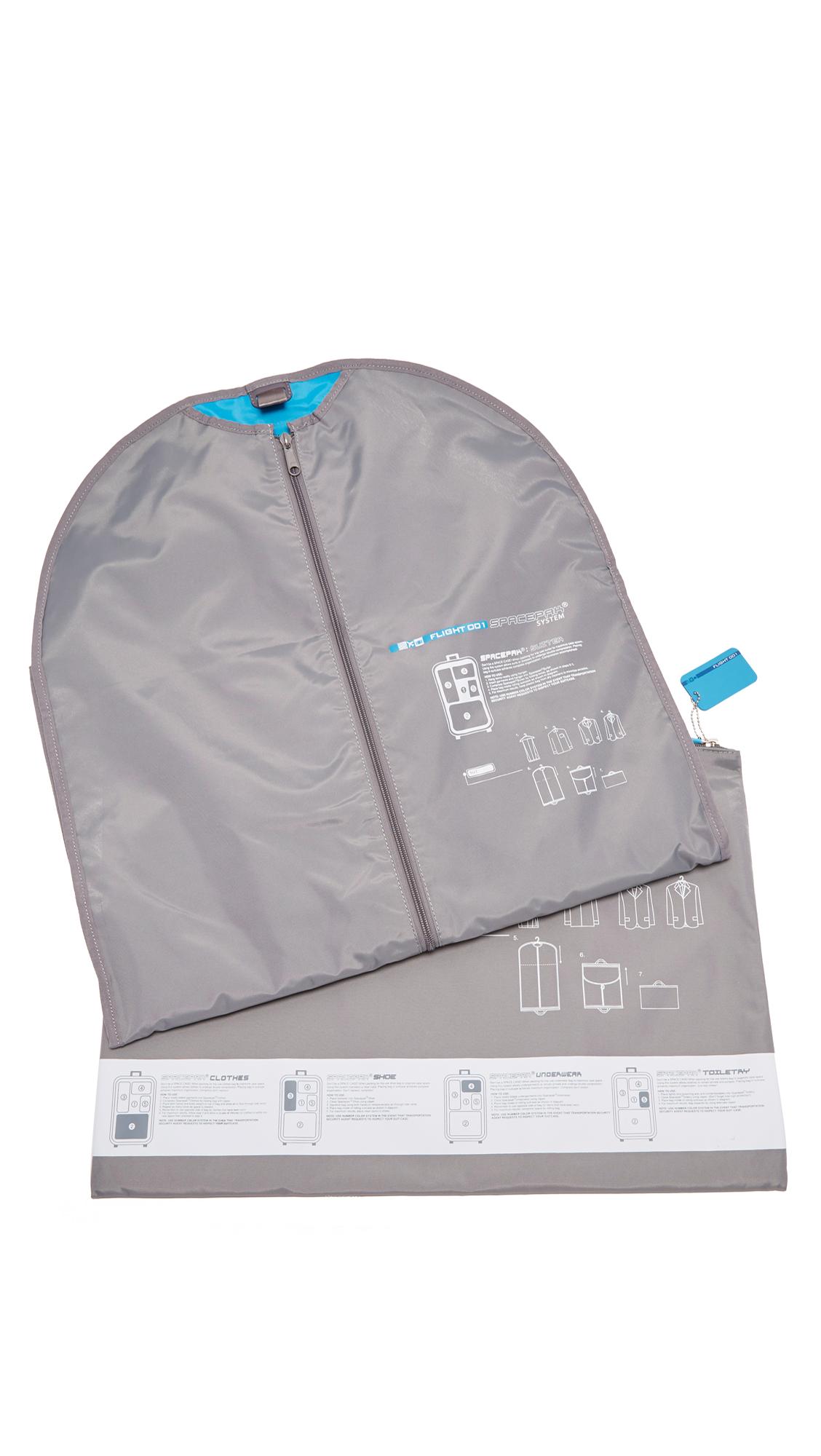 FLIGHT 001 F1 Spacepak Suiter Bag in Grey