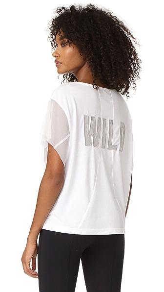 Free People Спортивная футболка с надписью «Wild» на сетчатой подкладке