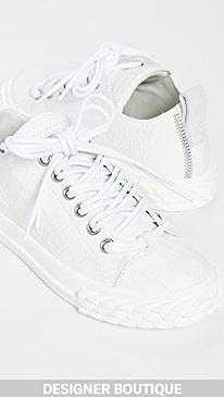 a27657fde46 Designer Women's Sport Shoes & Sneakers