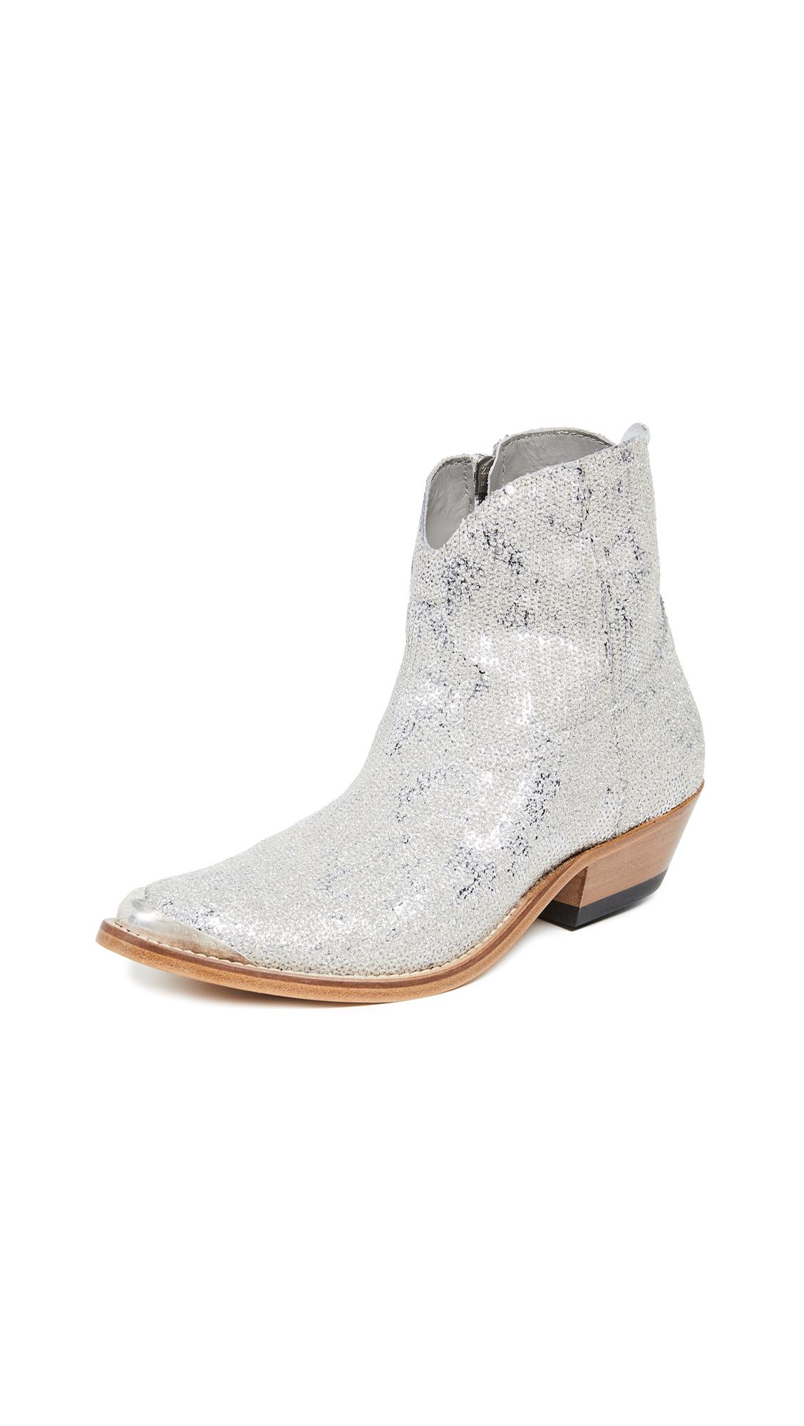 Buy Golden Goose Young Boots online, shop Golden Goose