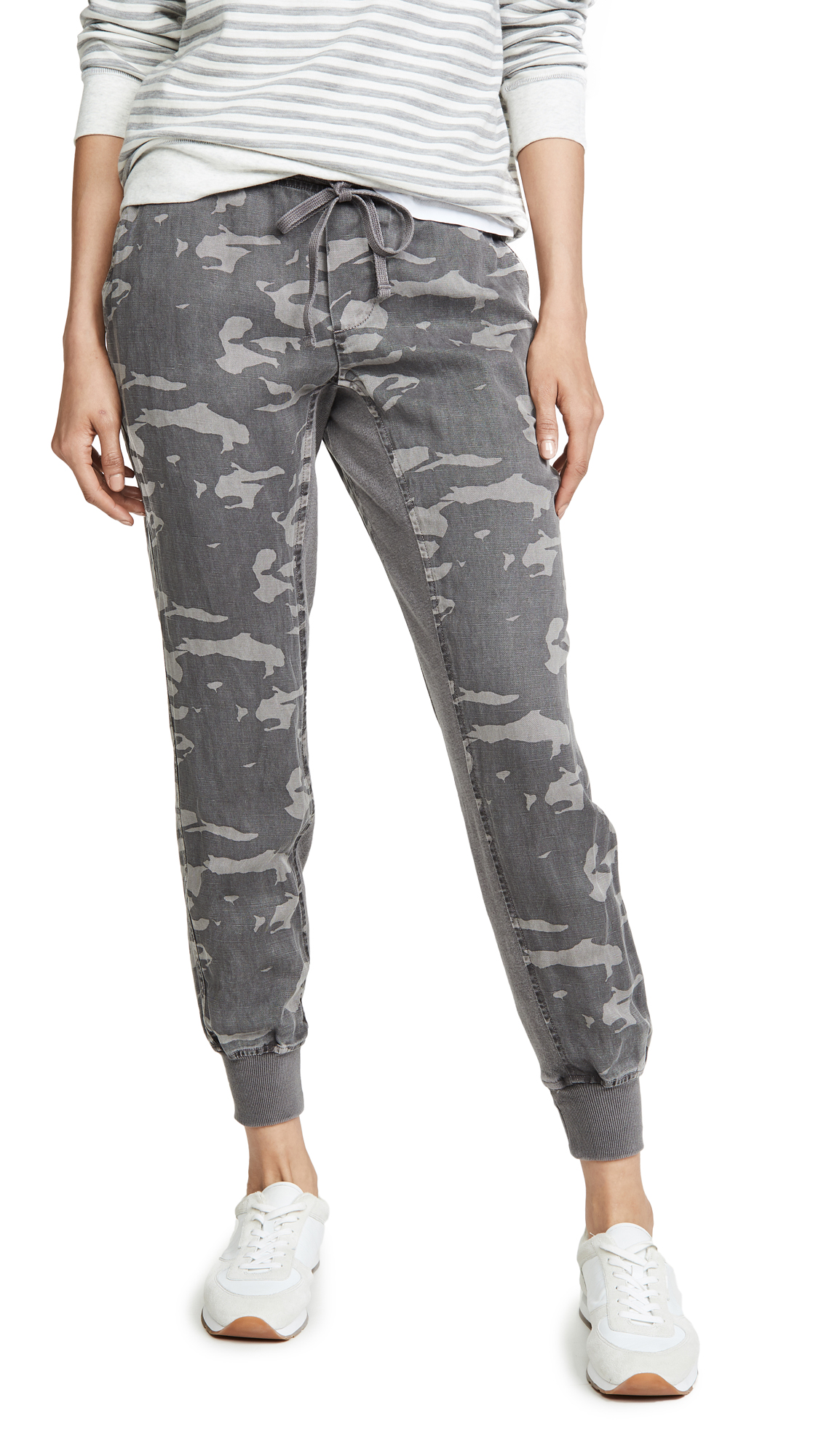 Buy MONROW online - photo of MONROW Camo Joggers