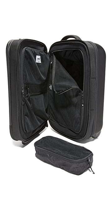 Incase VIA Medium Roller Carry On Suitcase