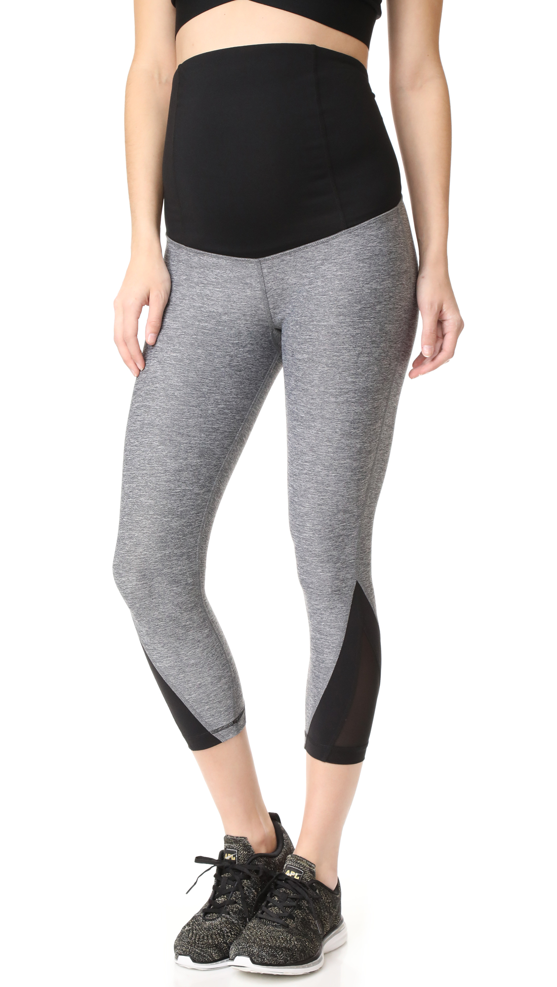 Active Mesh Detail Capri with Crossover Panels