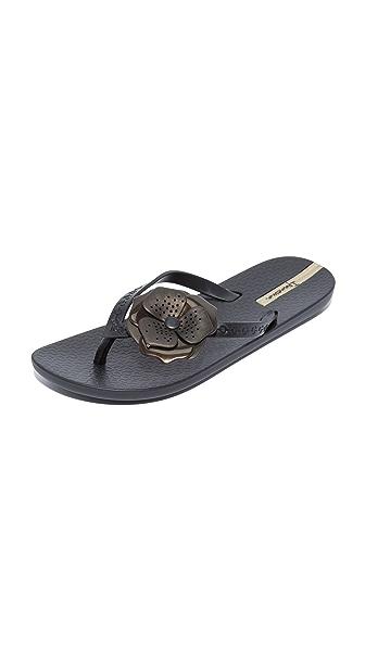 Ipanema Neo Petal Flip Flops - Black