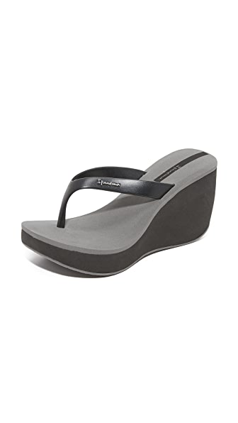 Ipanema Tango II Wedge Sandals - Black/Grey