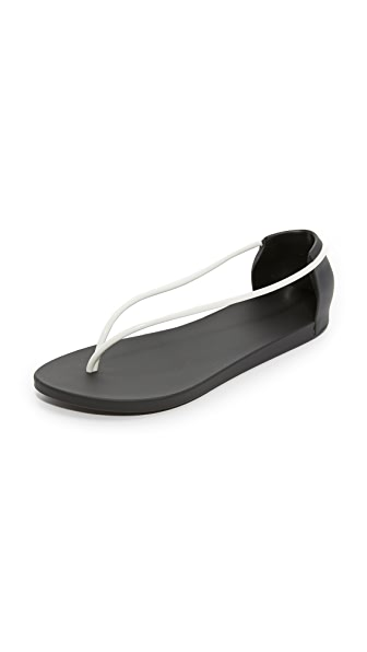 Ipanema Philippe Starck Thing N Sandals - Black/White