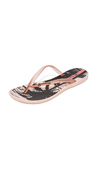 Ipanema Wave Postcard Flip Flops In Pink