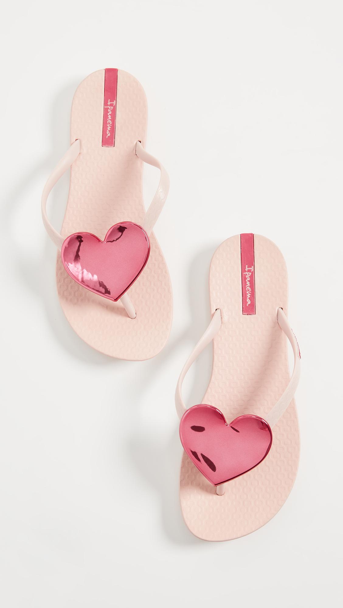 8ffaf8e4508702 Ipanema Wave Heart Flip Flops