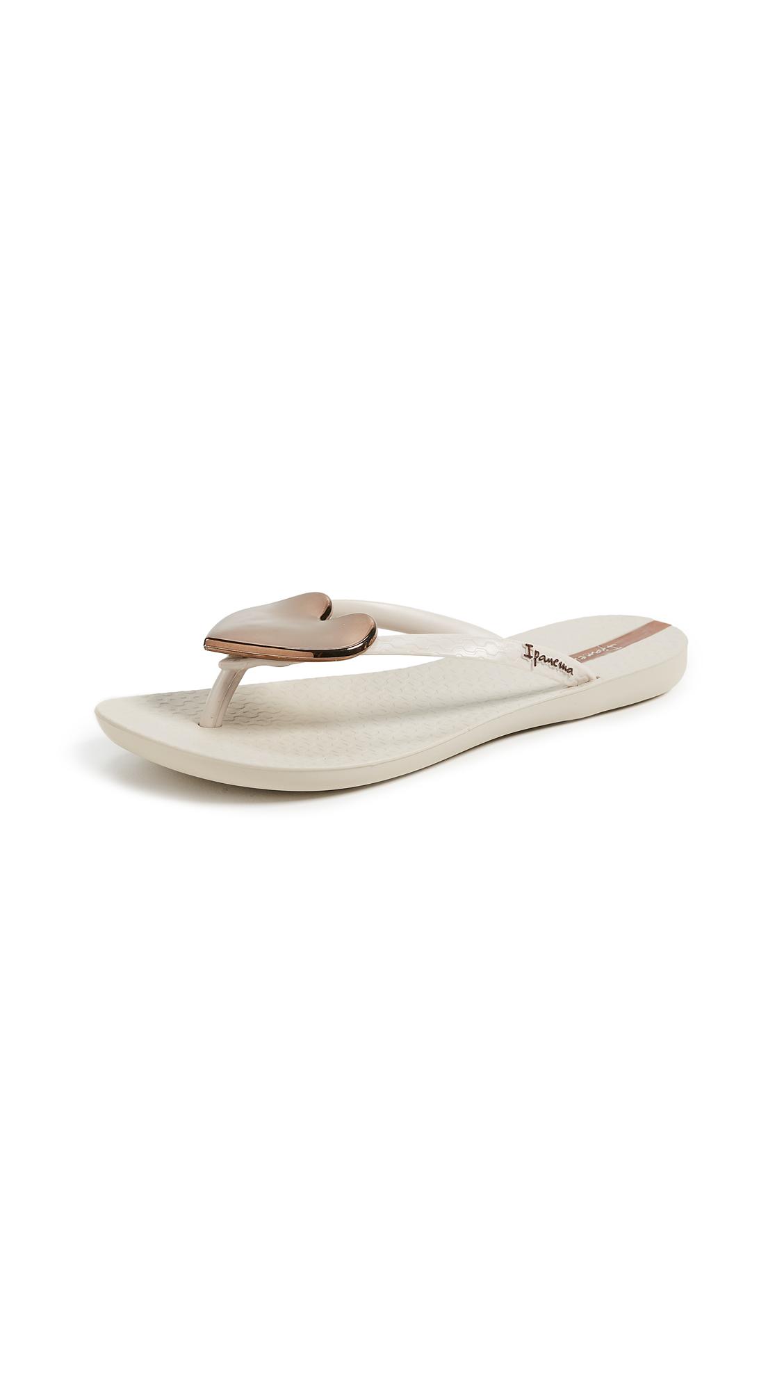 Ipanema Wave Heart Flip Flops - Beige/Bronze