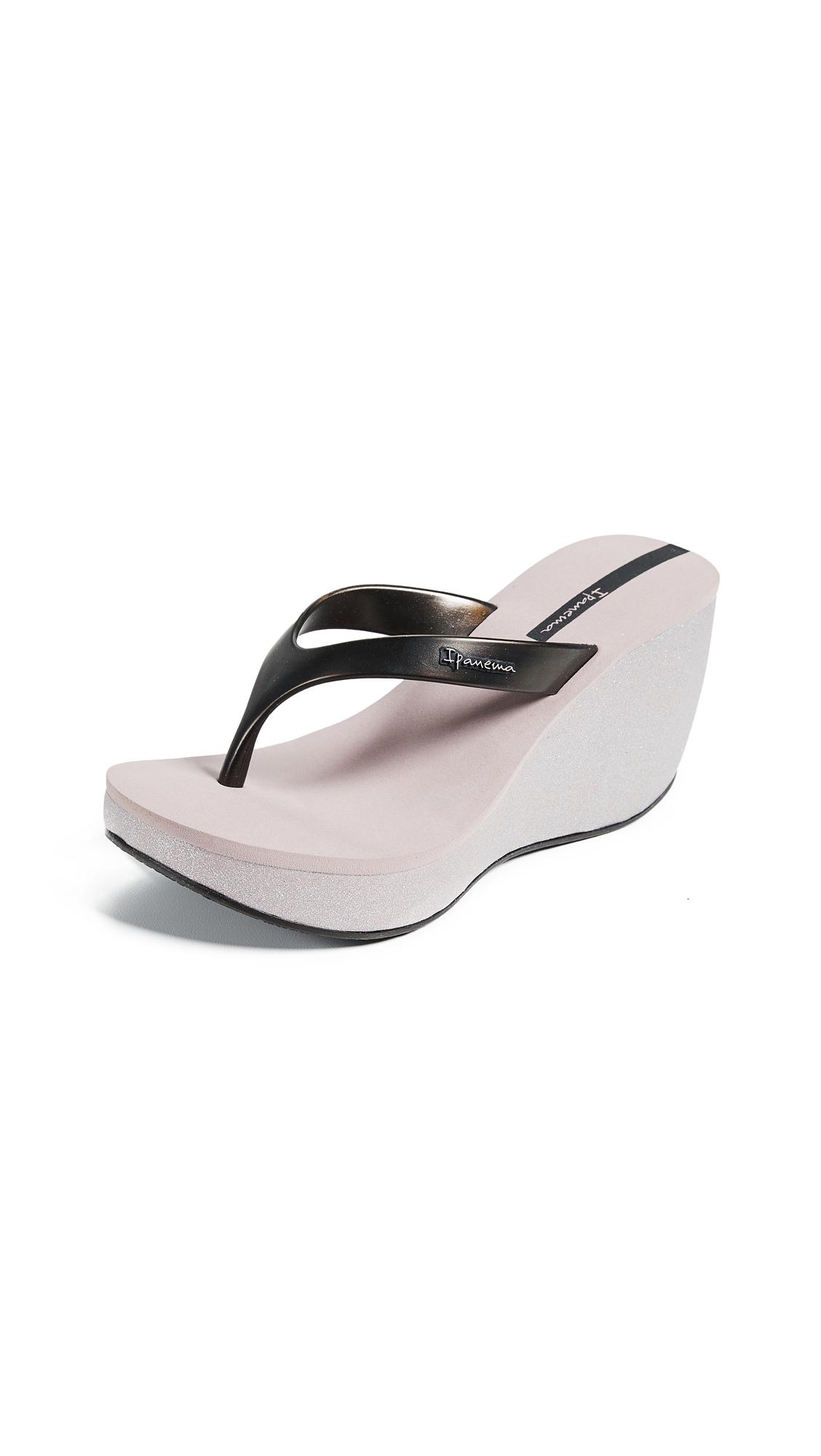 Ipanema Bolero Wedge Flip Flops - Beige/Black