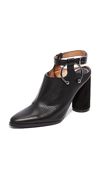 JAGGAR Diverge Block Heel Booties - Black