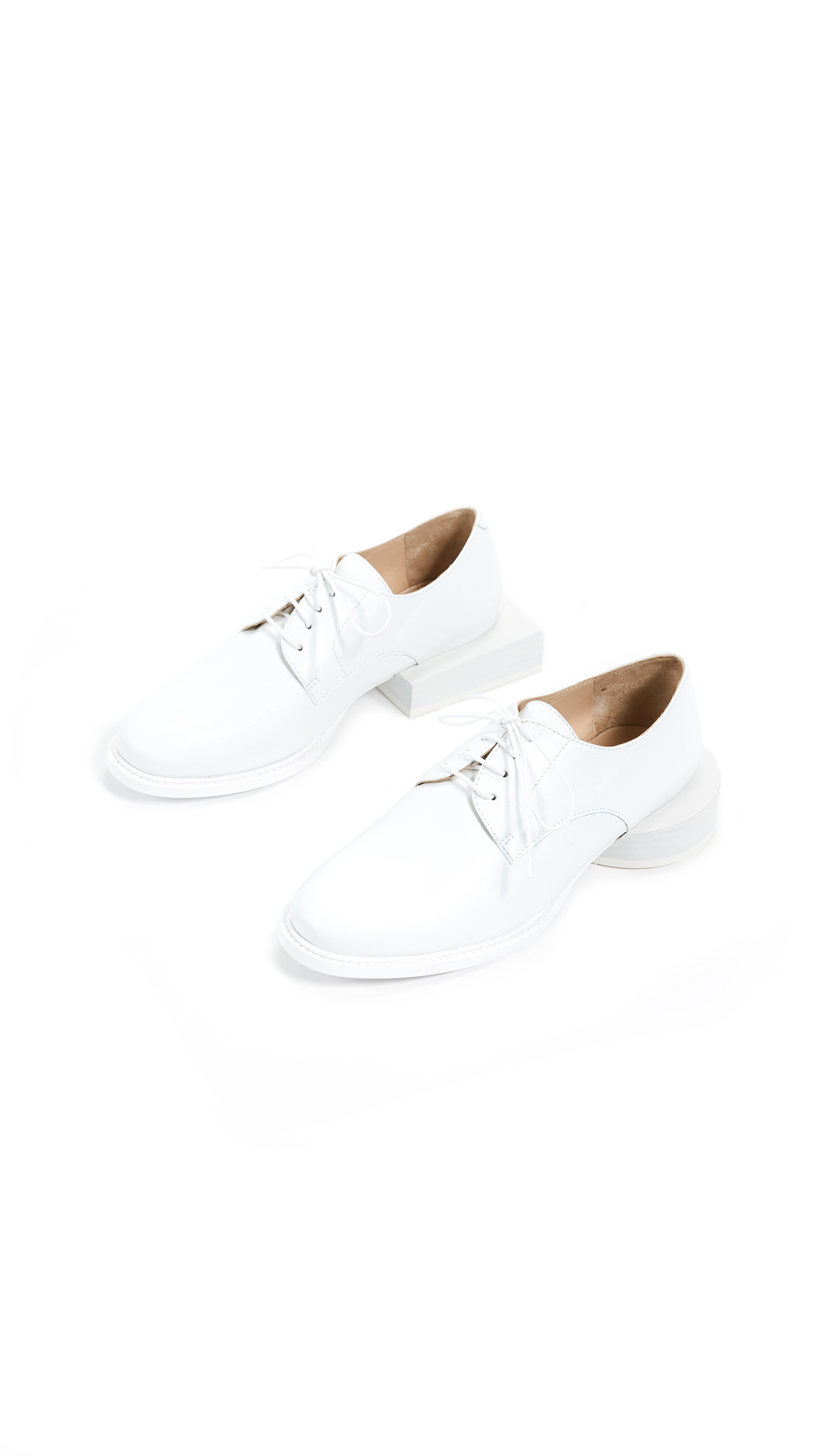 Jacquemus Les Chaussures Clown Oxfords - White