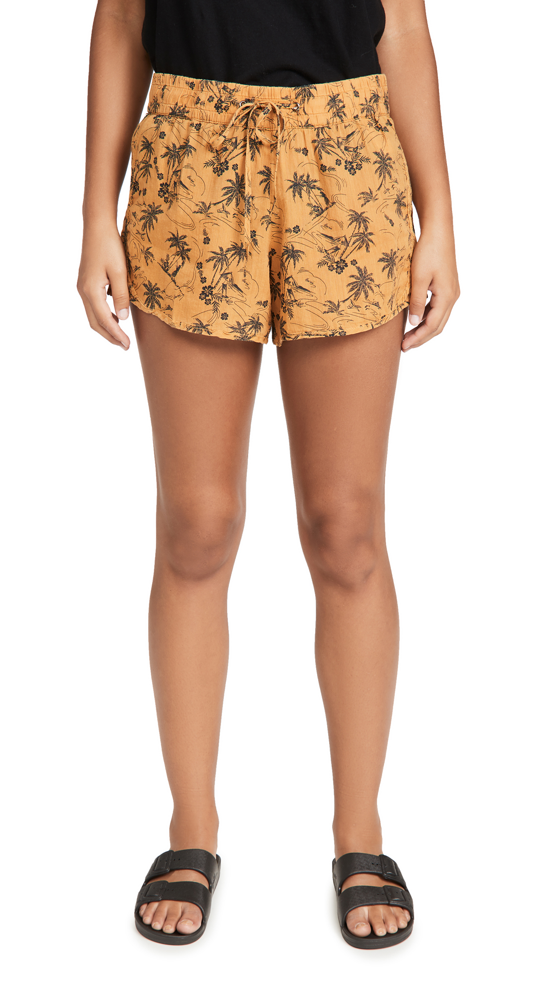 James Perse Island Print Dolphin Shorts