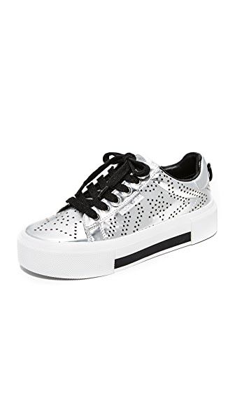 KENDALL + KYLIE Tyler Star Sneakers - Silver