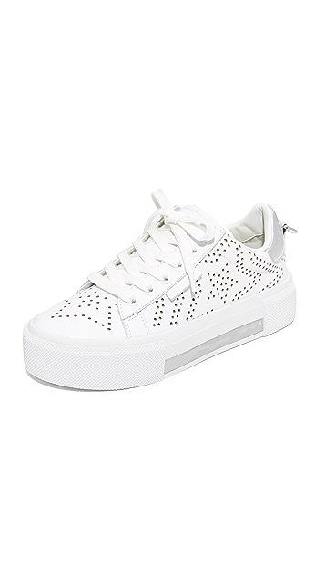 KENDALL + KYLIE Tyler Star Sneakers