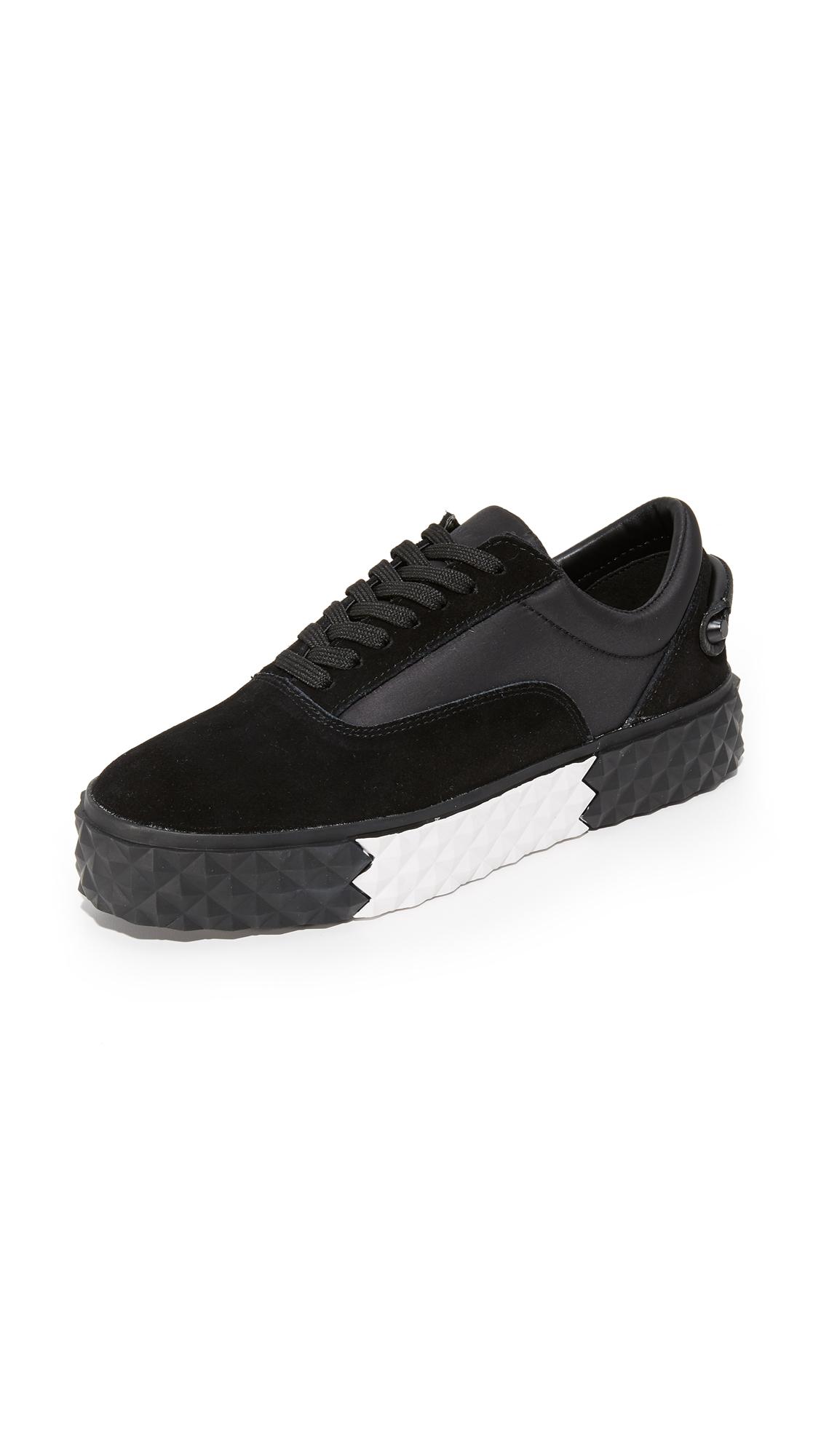 KENDALL + KYLIE Reign Sneakers - Black/Black