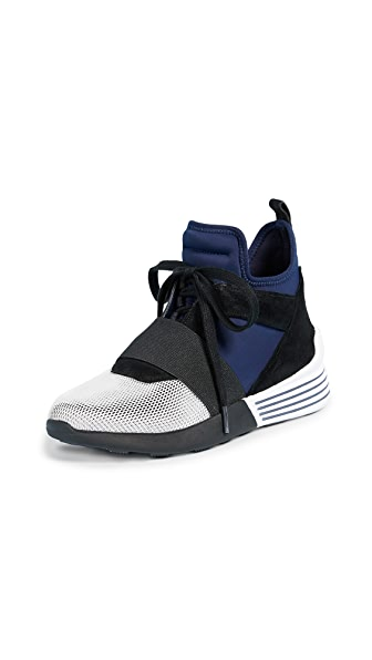KENDALL + KYLIE Braydin Trainers In Navy/Grey