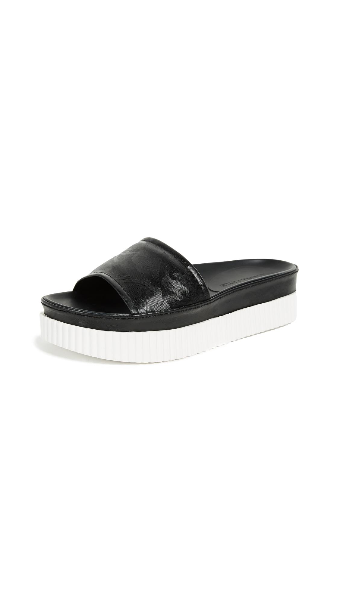 KENDALL + KYLIE Isla Platform Slides - Black Camo
