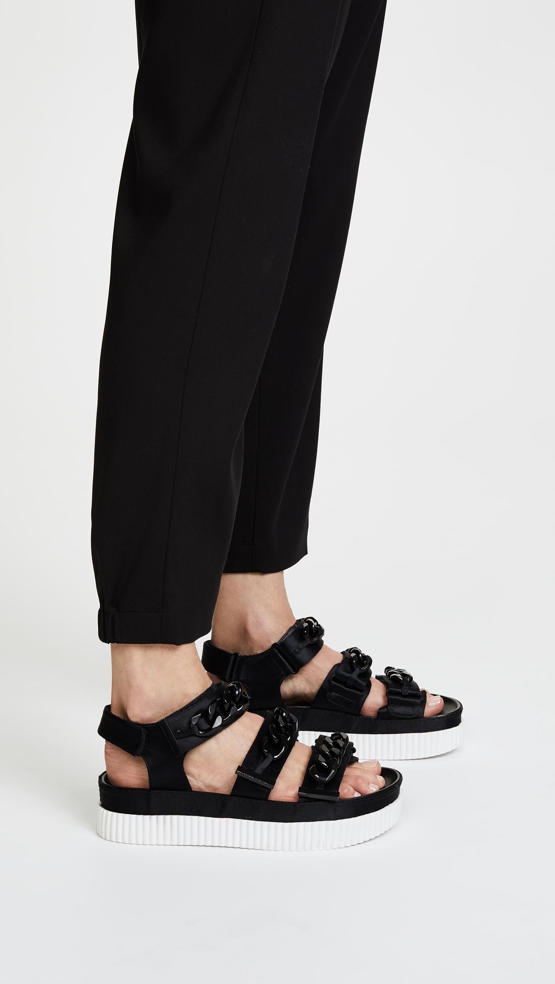 Kendall And Kylie Women's Ivie Satin Chain Platform Sandals L1Ir5U
