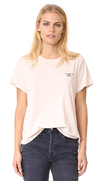 Knot Sisters It Aint Me Babe Tee In Barely Blush