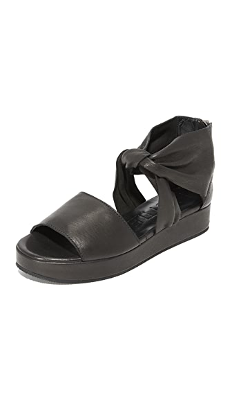 LD Tuttle The Warp Sandals - Black