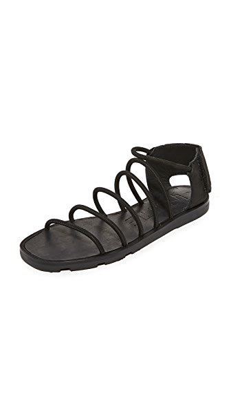 LD Tuttle The Wing Sandals - Black