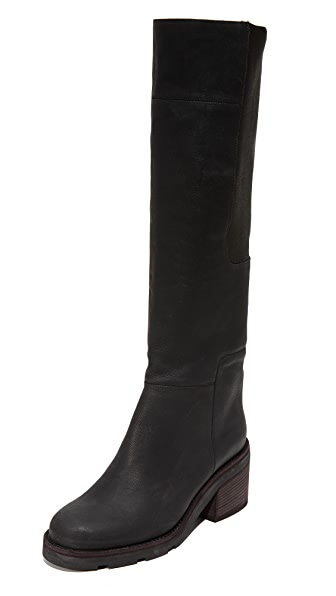 LD Tuttle The Lost Lug Sole Boots In Black