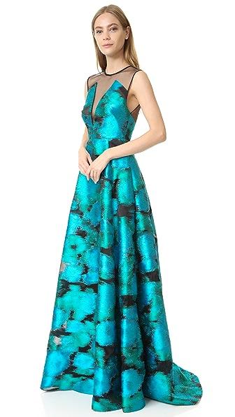 Вечернее платье без рукавов