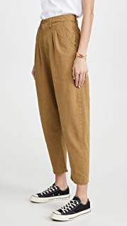 Levi's Pleated Balloon Leg Pants