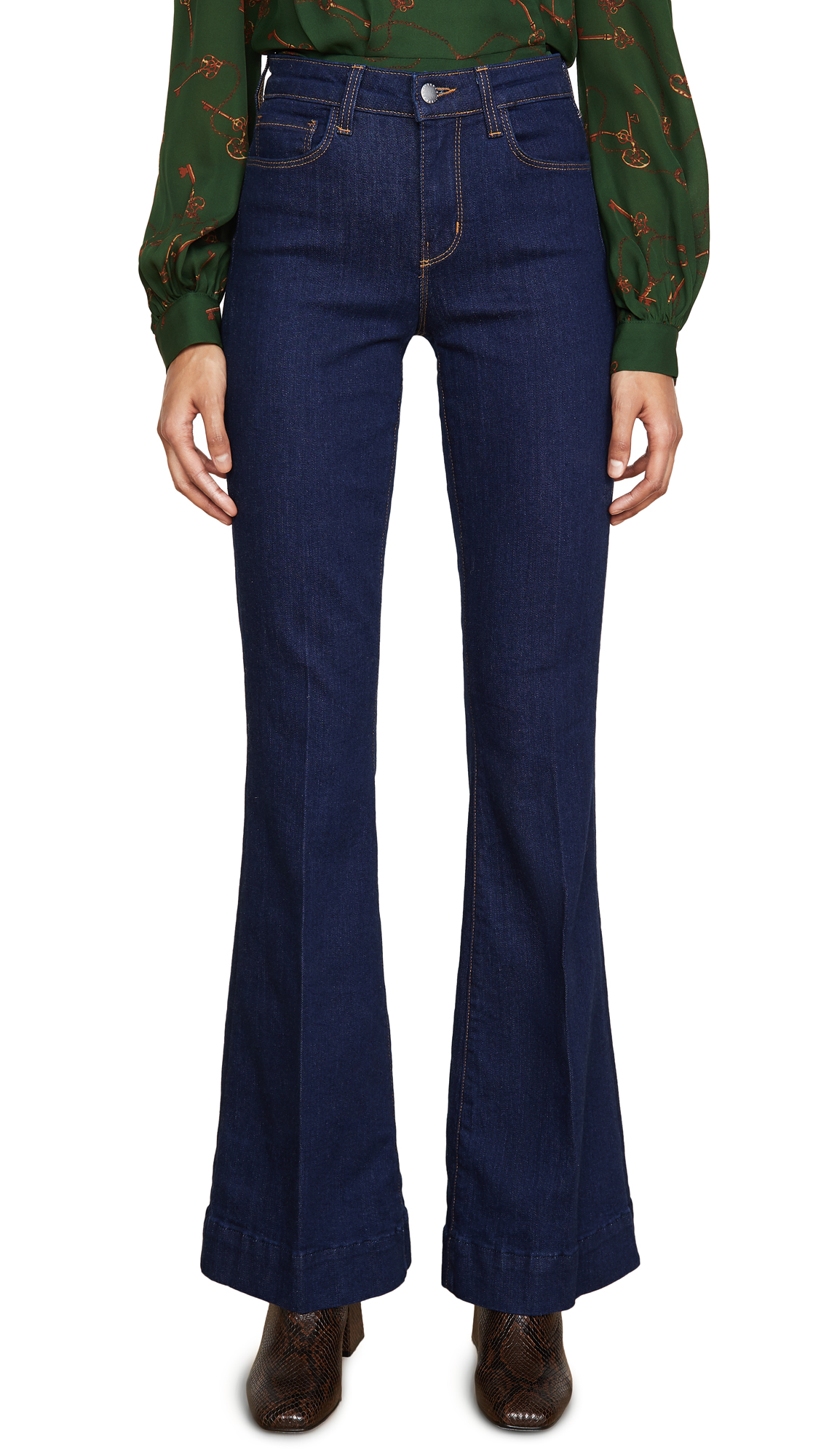 Buy L'AGENCE online - photo of L'AGENCE The Affair High Rise Flares