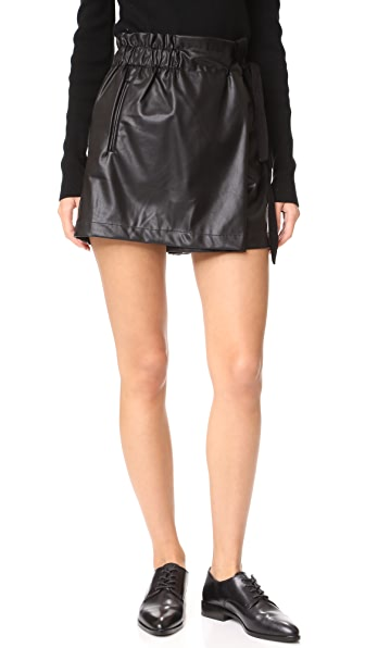 Line & Dot Diane Shorts In Black
