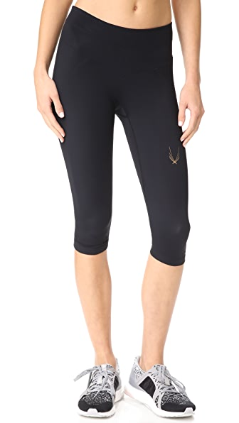 Lucas Hugh Core V2 Capri Leggings In Black