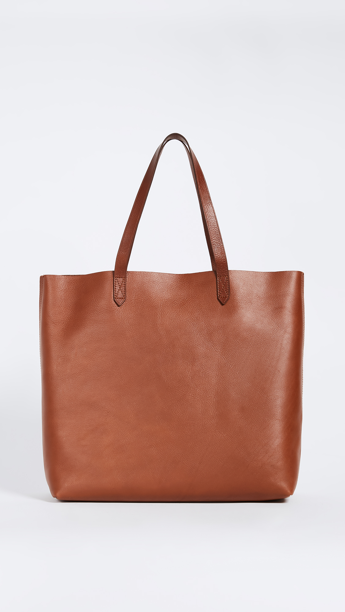 Ecco bags: elegant simplicity and Scandinavian charm