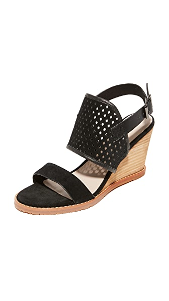 Matiko Clancy Wedges - Black