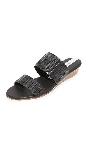 Matt Bernson Merit Demi Wedge Slides - Black/Black