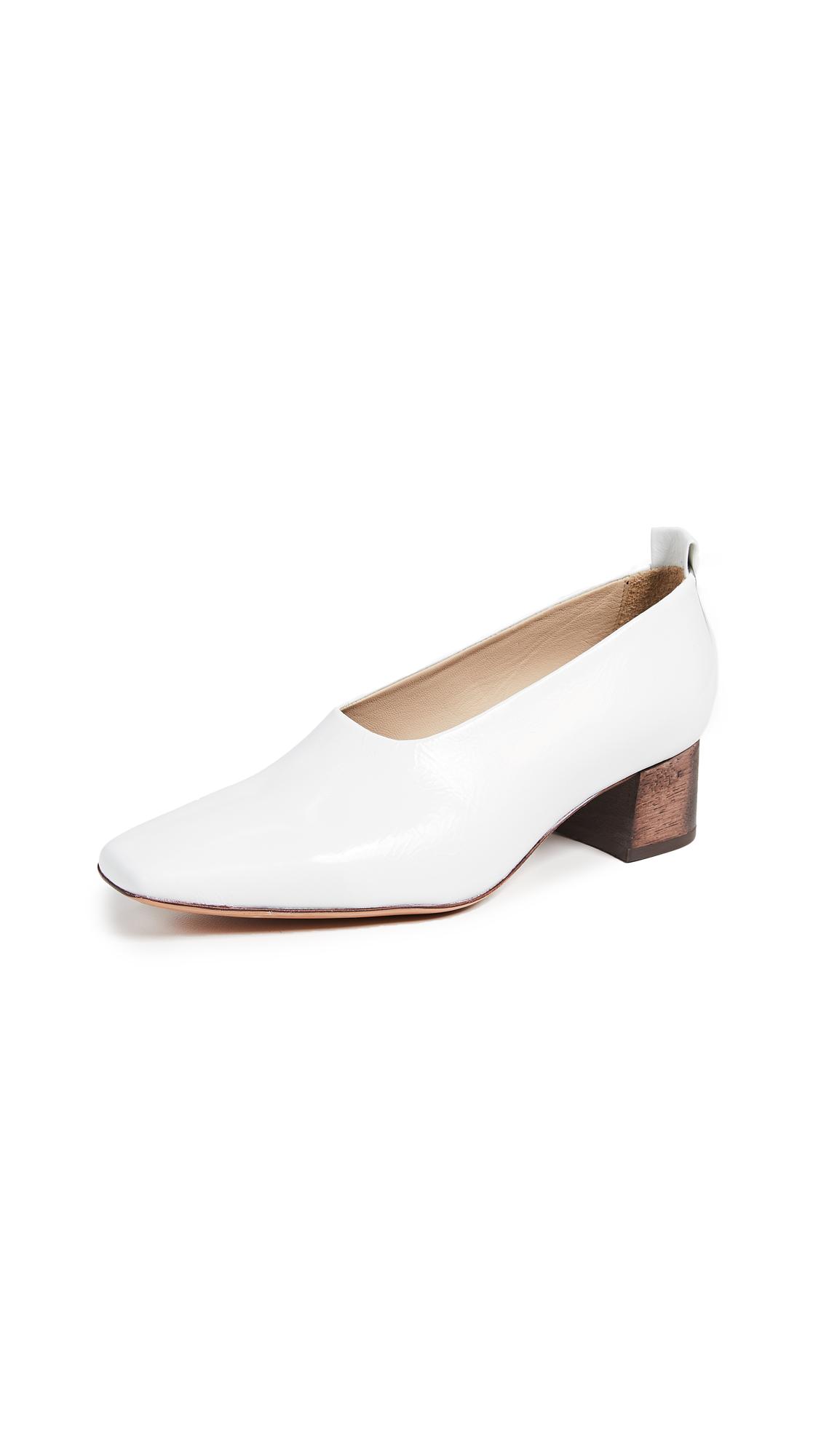 Mari Giudicelli Loren Ballerina Pumps - White