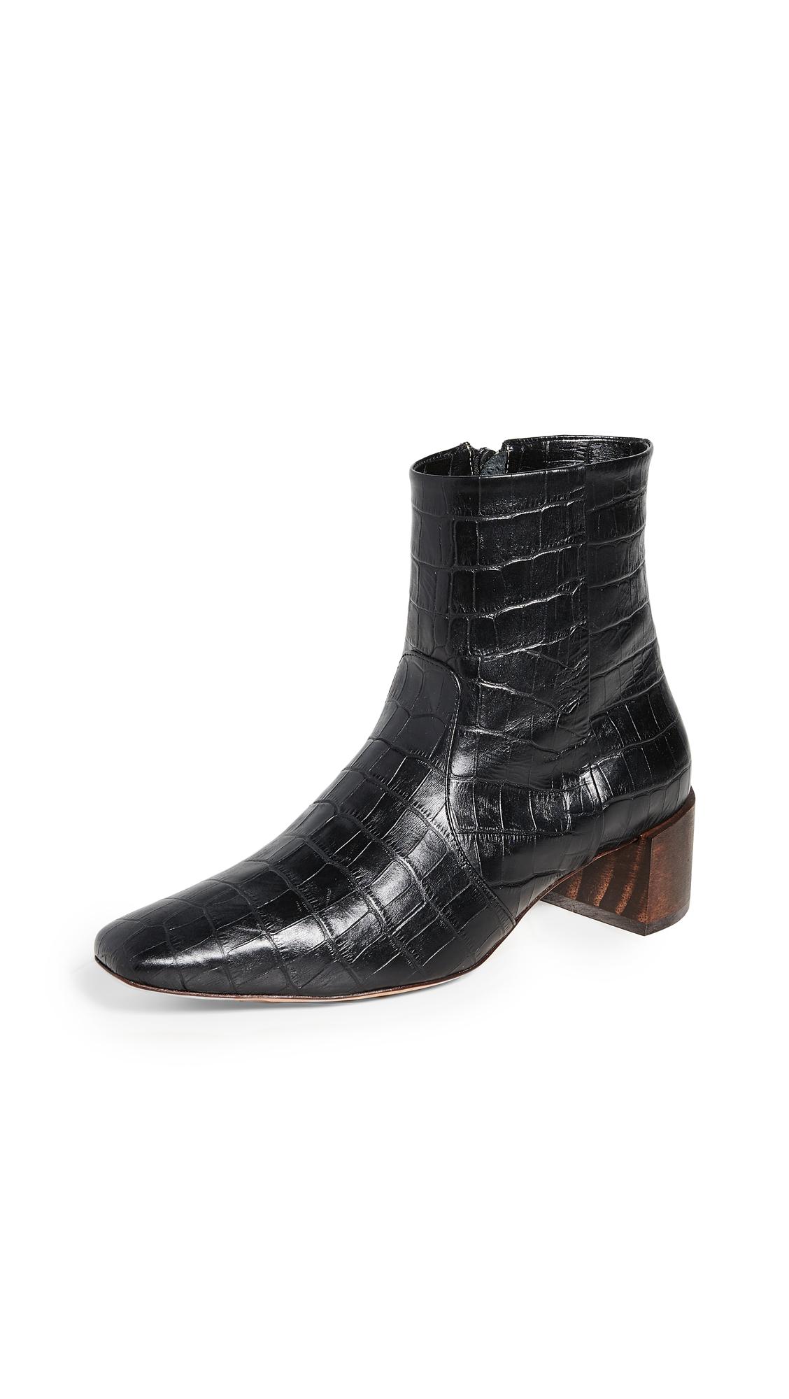 Mari Giudicelli Classic Boots In Black