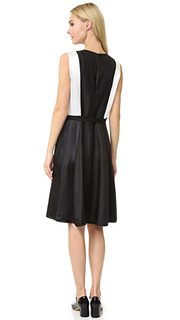 Marc Jacobs Sleeveless V Neck Dress