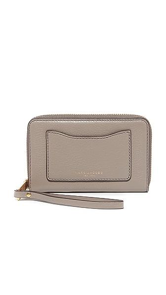 Marc Jacobs Recruit Zip Phone Wristlet - Mink