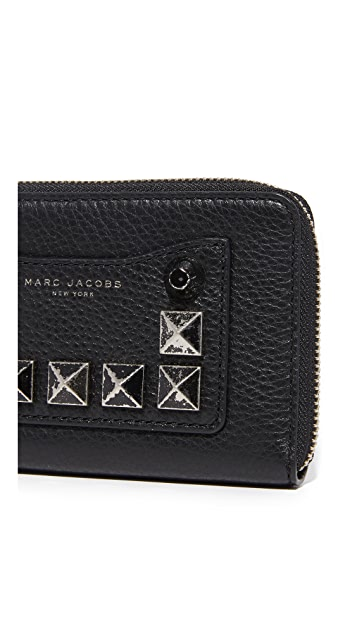 Marc Jacobs Recruit Chipped Stud Zip Phone Wristlet