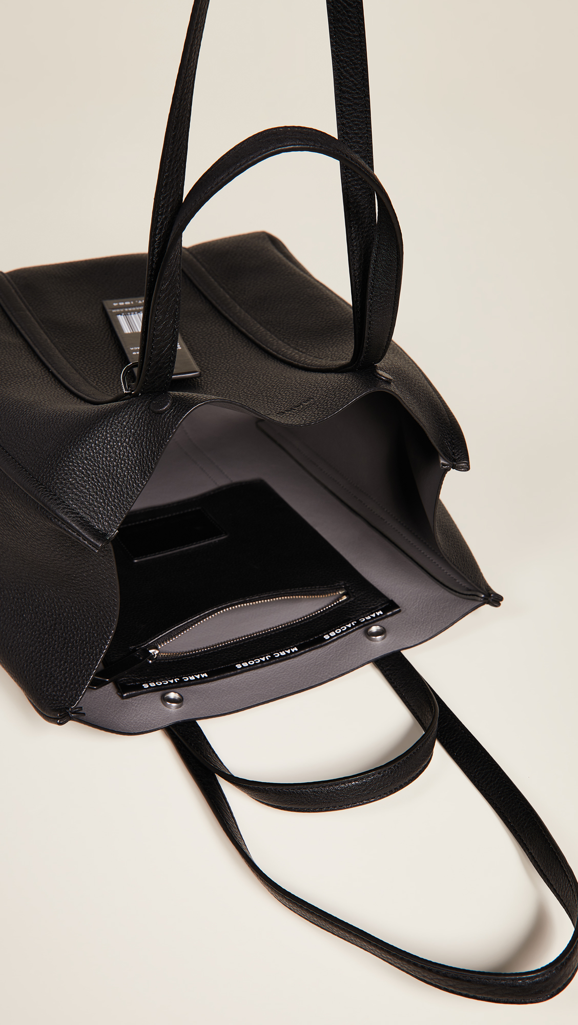 5b916d425c98 Marc Jacobs The Tag Tote 31