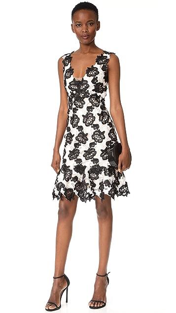 Monique Lhuillier Sleeveless Flounce Dress