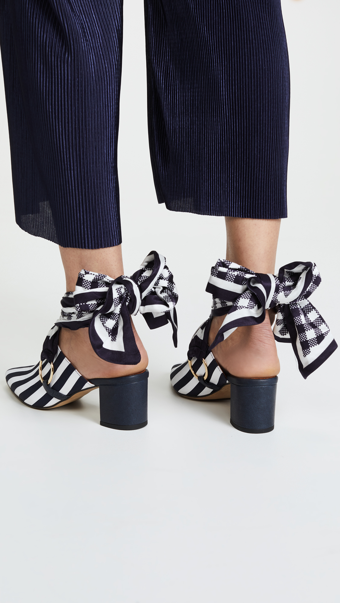 Mother of Pearl COURTNEY - Heeled mules - navy/white G2c4ISsikj
