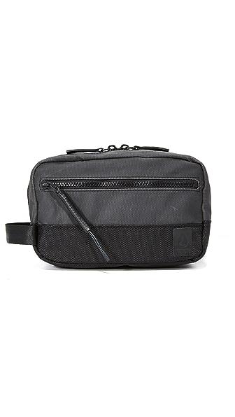 Nixon Traveler Travel Kit