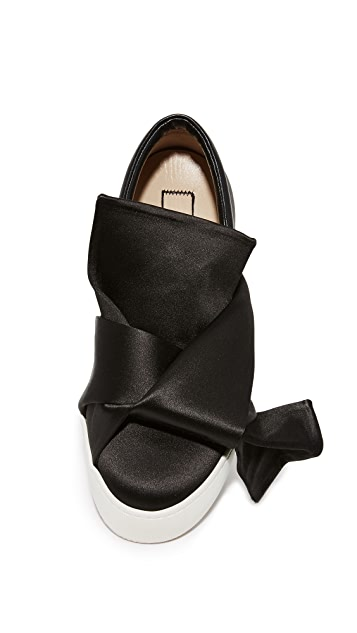 No. 21 Sneakers with Bow