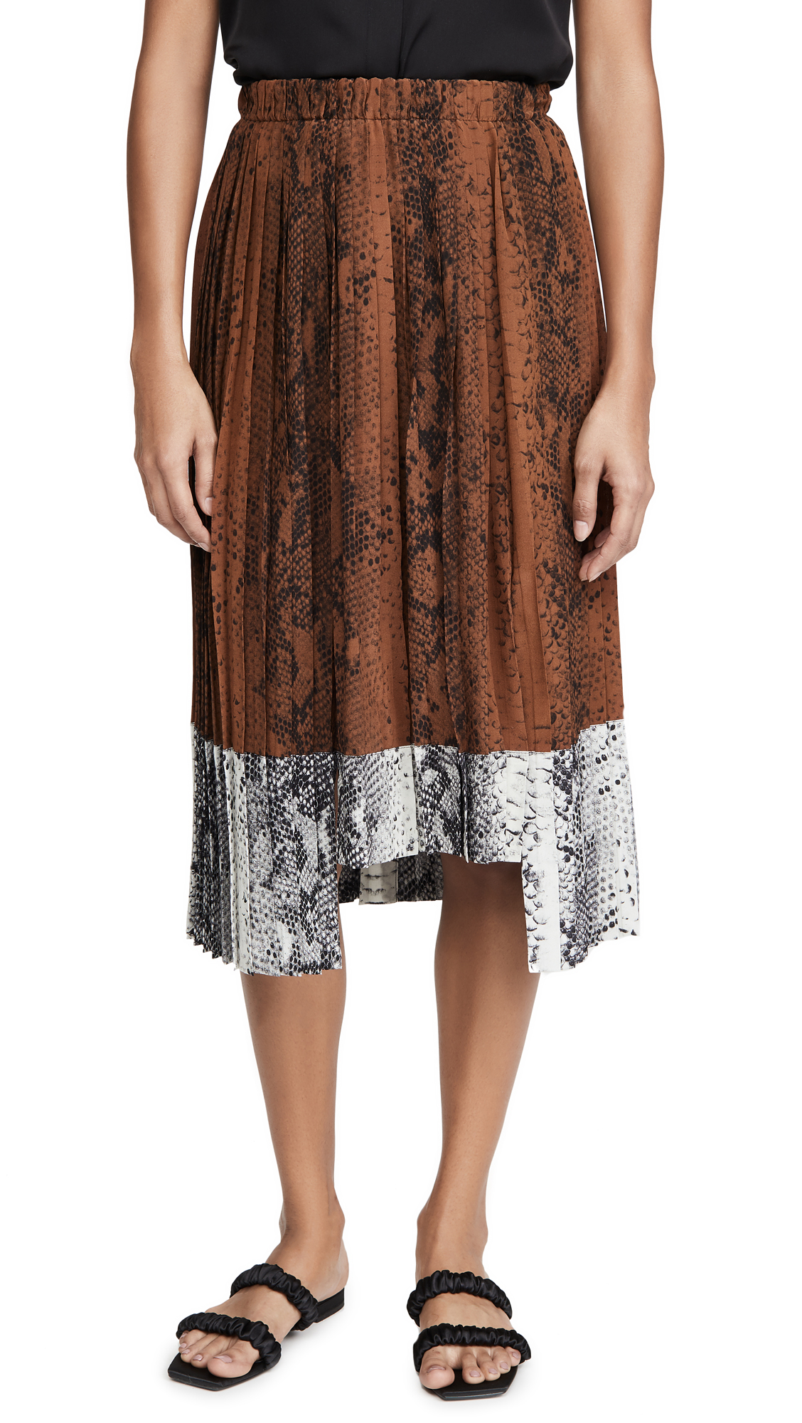 Buy No. 21 online - photo of No. 21 Snake Print Pleated Skirt