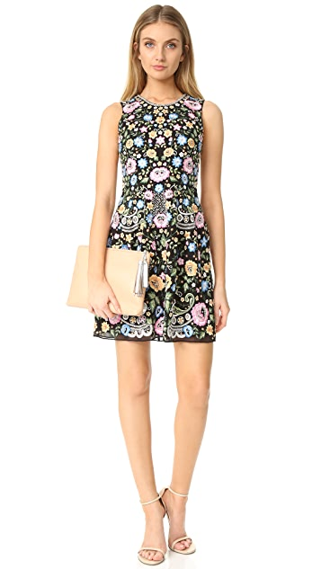 Needle & Thread Sleeveless Lace Foliage Prom Dress