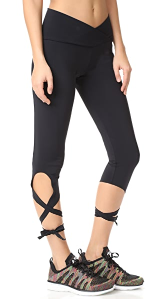 Onzie Ballerina Capri Leggings - Black